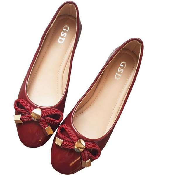 Extra large yards in Europe and the bright color coat of paint bowknot round head light mouth female flat foot documentary shoes gourd lad