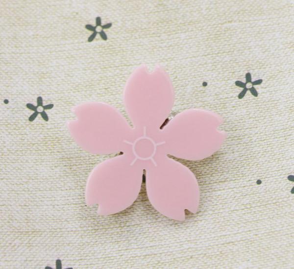 Kirschblütenbrosche