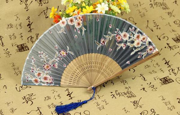 Großhandels- 2016 neue heiße chinesische japanische Vintage Phantasie Folding Fan Hand Kunststoff Spitze Seide Blume Dance Fans Party Supplies für Geschenk