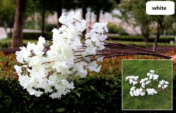 3 bifurcations single petals white
