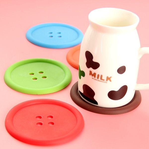 100 unids / lote Taza de Silicona estera Lindo Colorido Botón Copa Coaster Cup Holder Cup Drink Cup Placemat Mat Coads Coffee Pad