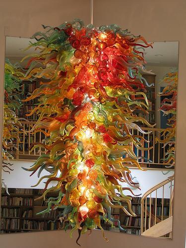 Lámpara colgante moderna larga popular moderna Lámpara cristalina colorida de la flor LED Lámpara de cristal soplada a mano de la lámpara por encargo