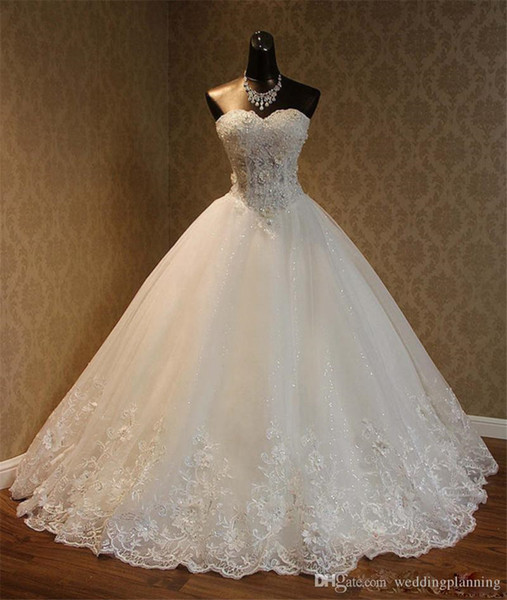 best selling Sweetheart Lace Appliques Lace Up Beaded Princess Vintage Garden Country Wedding Bridal Gowns Real Image Ball Gowns Wedding Dresses