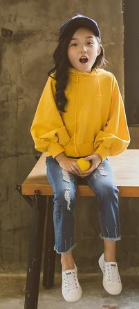 La Corea del Sud nel grande vestito autunnale per bambina 2017 nuovi coreani alla moda per bambini con cappuccio in due pezzi di jeans