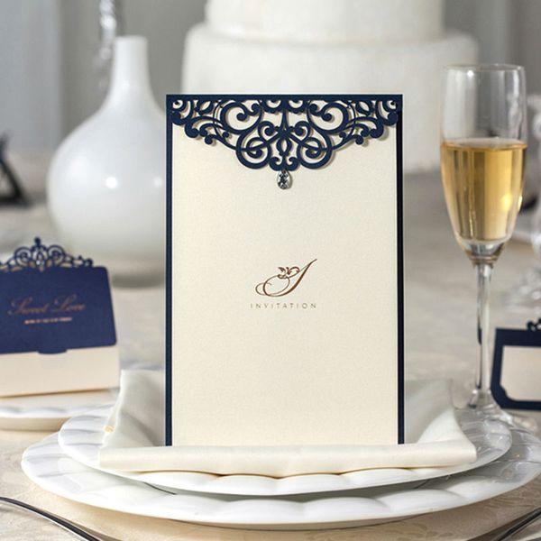 Al por mayor-12pcs / lot Compromiso Navy Blue Laser Cut Rhinestone Lace Wedding Table Menu Decoration Tarjeta Elegante Fiesta de Suministros de Negocios