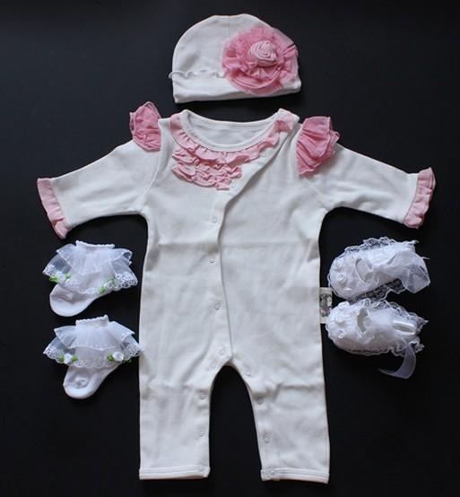 Elegant Newborn Baby Gift Sets 4 Pieces Cover Long Sleeve Romper Flower Hat Lace Socks Shoes