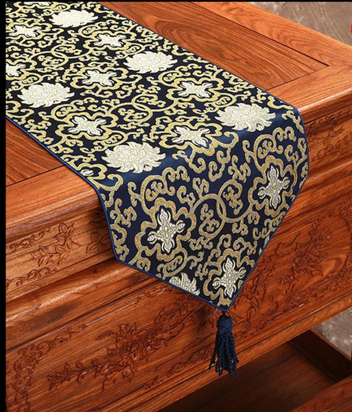 best selling Happy Fancy Chinese Silk Fabric Table Runner Christmas Rectangle Damask Table Cloth Decorative Dining Table Mat 200x33cm