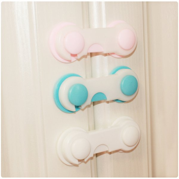 top popular Child safety lock blue powder folding lock the refrigerator drawer to unlock the baby baby multifunctional lock 2020