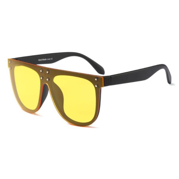 Maté Black Frame Yellow Lens