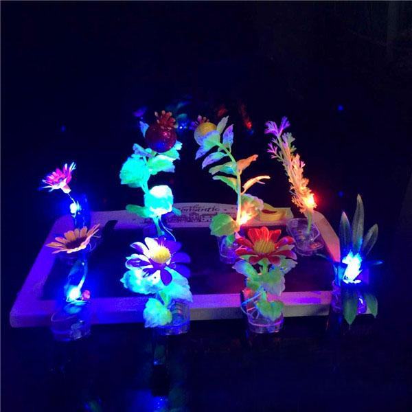 The new light-emitting sell Meng artifact 288 flash grass hairpin hairpin children Funny Toys stall selling wholesale