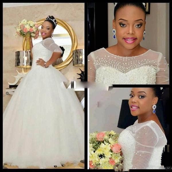 Plus Size 2017 vestido de Baile Vestidos de Casamento Meia Mangas de Cristal Beads Pérolas luce Botão Coberto Até O Chão Colher Pescoço Vestidos de Noiva