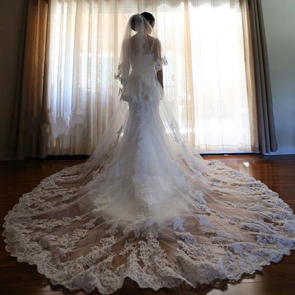 Elegant Cathedral Length Long Bridal Veil Three Layer Lace Applique Tulle Wedding Veils With Free Comb