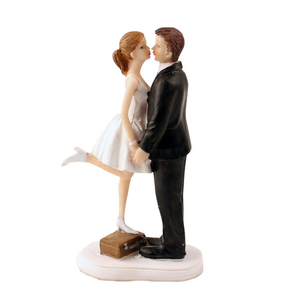 Wedding Cake Topper with Bride and Groom Couple Figurine Standing on the Case Kissing Cake Decoration for Wedding Anniversary Party