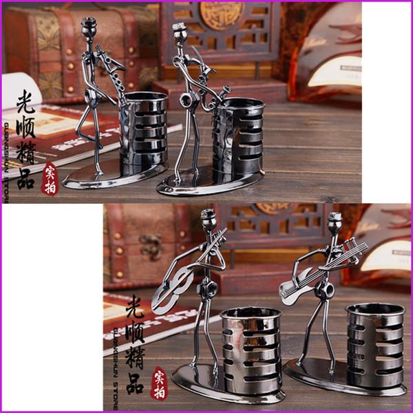 Hecho a mano Music Man Iron Art Steel Pen Container Holder Lápiz taza, decoración de escritorio regalo de juguete, organizador de escritorio