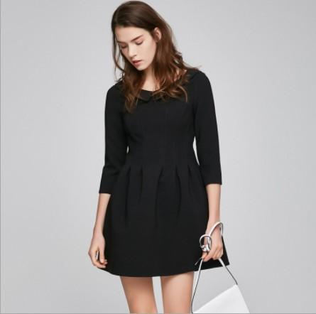 2019 autumn new OL commuter doll collar body twist pleated design seven points sleeves solid color dress women's clothing