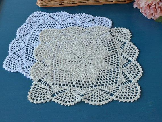 top popular Lot of 6 pcs ~Vintage Style Chic crochet pattern suqare doilies, totally handmade Pretty wedding centerpieces, 30x30 CM Square lace doilies 2021