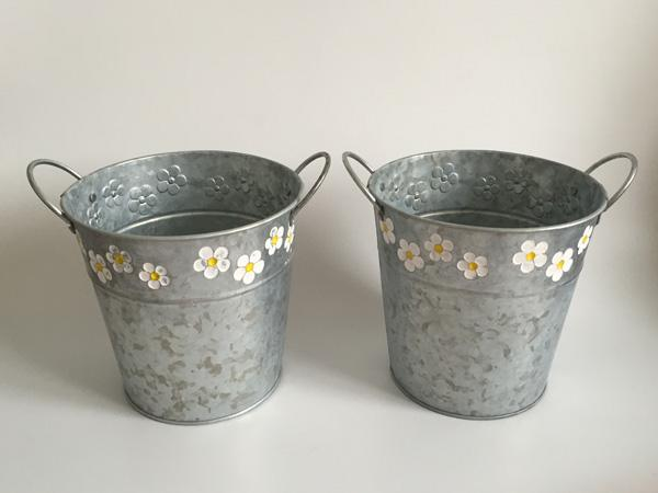Wholesale D15XH15CM(D5.9inch*H5.9inch) Round Galvanized Zinc metal Planter Flower Pots bucket with 2 handle Fretwork Urns