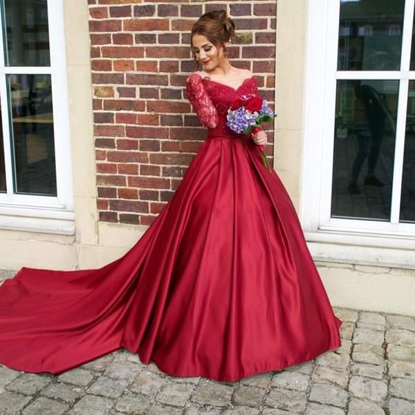 2017 Long Sleeves Ball Gown Evening Dresses V-Neck Illusion Back Beaded Sweep Train Satin Evening Gowns Plus Size Red Lace Prom Dresses