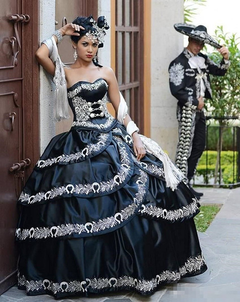 Vintage Black and White Quinceanera Dresses 2019 Masquerade Party Ball Gown Cascade Ruffles Embroidery Floor Length Lace-up Custom Made