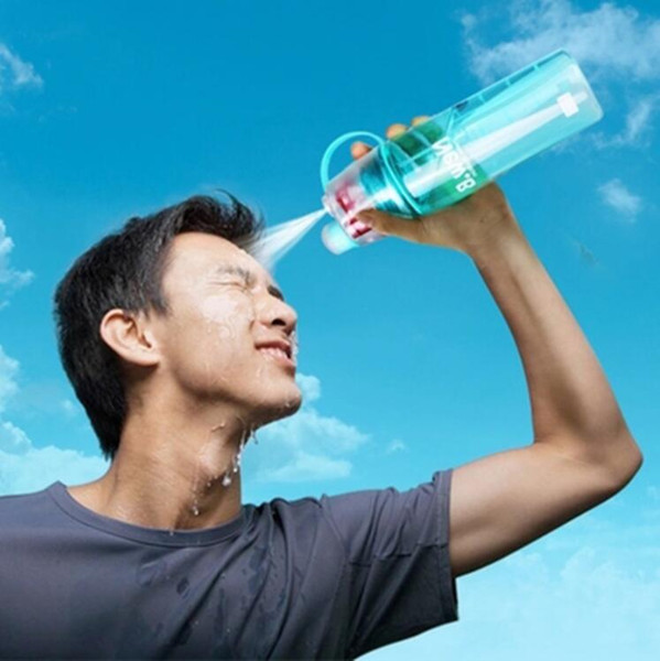 Nueva Creativa Botella de Agua con Spray Botellas Atomizadoras Portátiles Deportes Al Aire Libre Gimnasio Beber Botellas para Bebidas Shaker 400ML 600ML