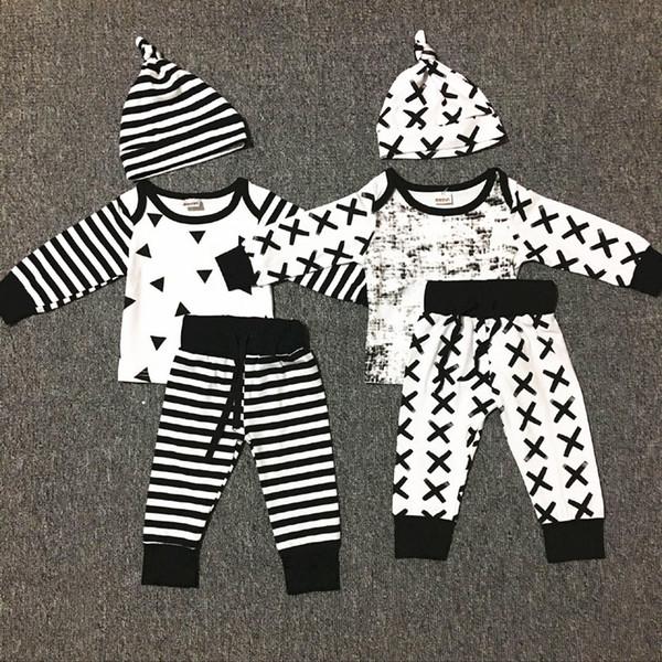 2017 Newborn Baby Boys Set di abiti natalizi Infant motivi geometrici pagliaccetto stampa a strisce + pantaloni lunghi + cappello 3 pezzi abiti Abbigliamento per bambini