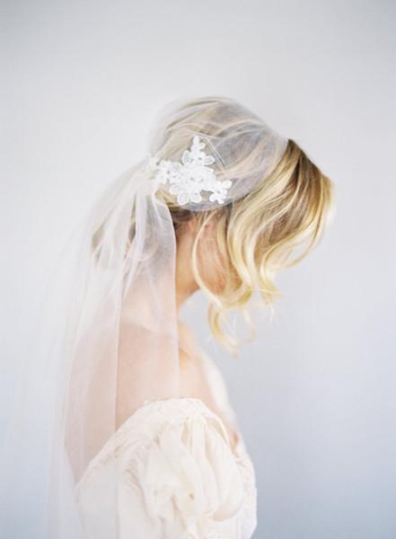 New high Quality Juliet Cap Best Sale Fingertip short White Ivory Lace Applique Cut Edge Veil Bridal Head Pieces For Wedding Dresses 345
