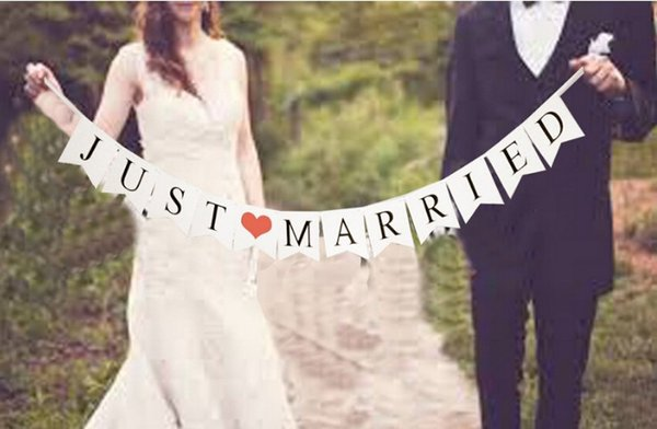 2.5 M long Just Married Vintage Wedding Bunting Banner Photo Booth Props Garland Bridal Shower Party Decoration