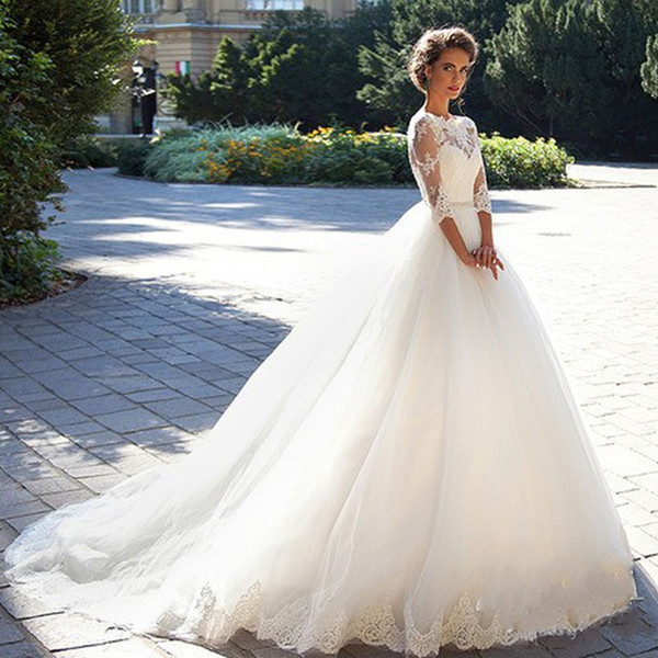Vintage Lace Ball Gown Wedding Dresses 2019 Milla nova Three Quarter Sleeves Sheer Neck Tulle Bridal Gowns with Covered Buttons