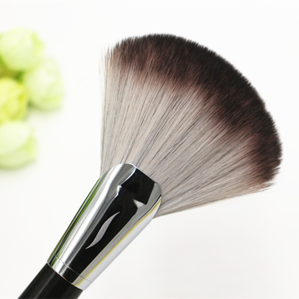 PRO Featherweight Fan Brush #92 -High Quality Fluffy Face Powder Finish Brush- Beauty Cosmetics Makeup Blender Brushes DHL Free