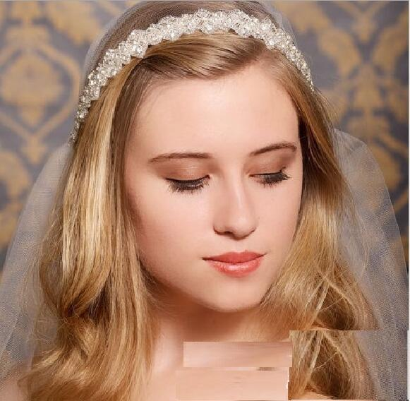 Bridal Hair Comb Tiaras Crowns Wedding Hair Jewelry European retro style Wholesale Fashion Girls Evening Prom Accessories HT12