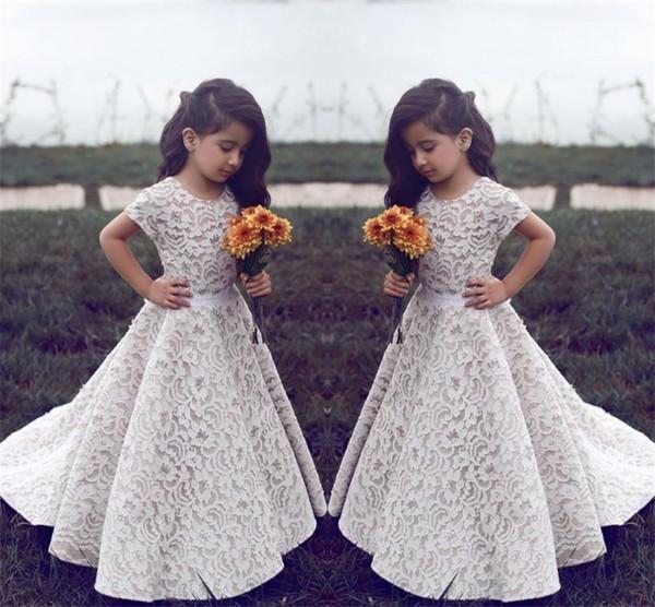 best selling Lace Flower Girl Dresses For Wedding Vintage Jewel Short Sleeves A Line Girls Pageant Dress Sweep Train Kids Birthday Prom Dress Formal Wear