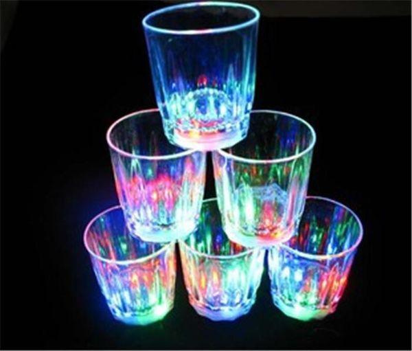 top popular Wolesale Mini LED Flashing Plastic Beverage Wine Cup Bar Parties Club Decorative Mug free shipping 2021
