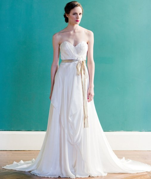 Discount Simple Plain Wedding Dresses Vintage Ruched Sweetheart Zip ...