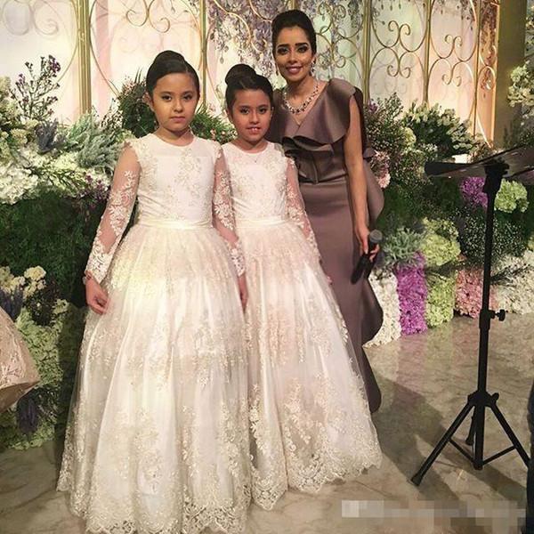 Vestidos de niña de flores de manga larga para la boda de la vendimia de encaje completo Cuello joya Longitud del piso 2016 Princesa niño vestido de comunión por encargo barato