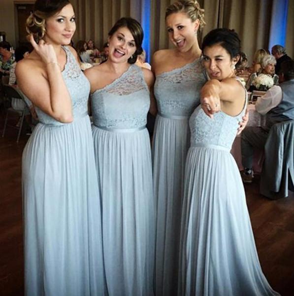Vestidos de dama de honor de un solo hombro azul barato Longitud del piso de encaje único Vestidos de dama de honor largos Vestidos de novia de playa de gasa Vestidos hechos a medida