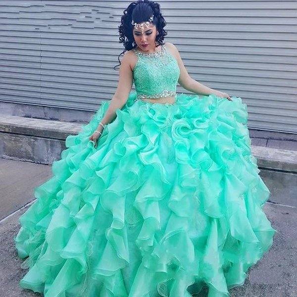Two Pieces Mint Green Quinceanera Dresses 2018 Lace Top Crystal Beads Ball Gown Ruffles Organza Arabic Sweet 16 Girls Prom Party Gowns