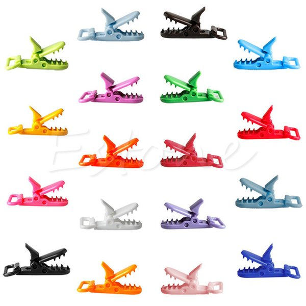 Venta al por mayor-10pcs colores de la mezcla de plástico chupete Clips Holder Dummy Clip Crocodile Mouth Design Toddler Feeding Accesorios Herramientas A19026