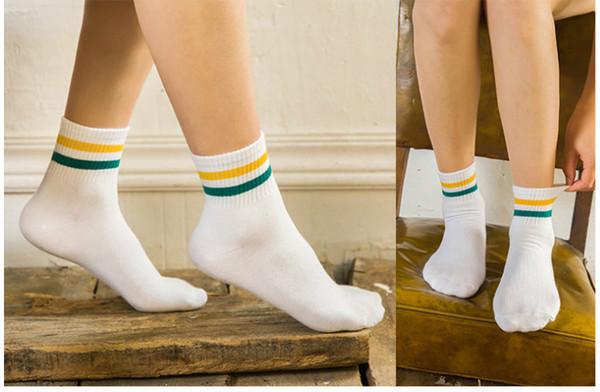 I calzini del cotone del nuovo stile di Preppy tagliano le donne casuali calzini i calzini multicolori di stile giapponese della Corea dei calzini di signora di colore 60PCS