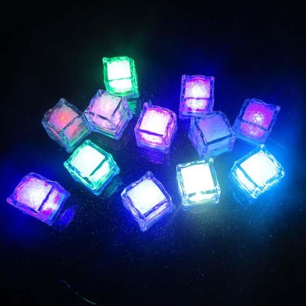 Toptan Renkli LED buz küpleri suya ışık yayan ışık veren ışık suya buz bar renkli düğün