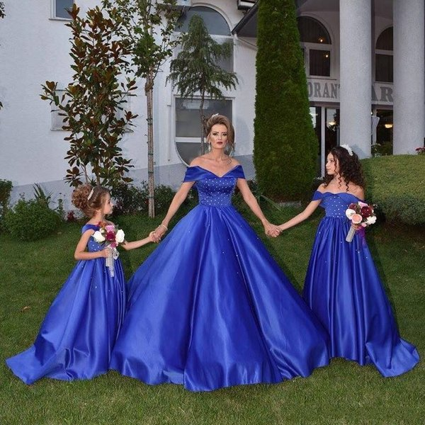 Royal Blue Ball Gown Prom Dresses Off Shoulder Beaded Satin Plus Size Backless Mommy And Me Evening Dresses Mother And Daughter Party Dress