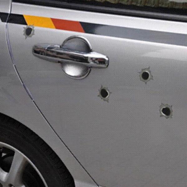 1 UNIDS 14 cm * 10 cm Agujero de bala Pegatinas de coches super cool Simulación de agujeros de bala Car styling decoración de coche + ENVÍO GRATIS