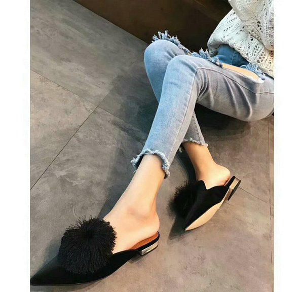 Free Shipping High Fashion Luxury Aquazzura Shoes Same Style With Kendall Jenner Women Fashion Shoes Casual Shoes Black Color