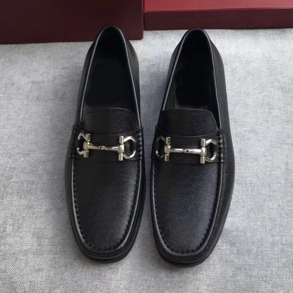 luxury 2017 quality shoes Gancio ornamented moccasin in tumbled calfskin on a rubber sole men casual genuine leather free shipping