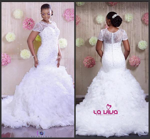 2016 Sexy Lace Branco Tripulação Mangas Curtas Vestidos de Casamento Sereia Romântico Frisado Plus Size Vestidos de Casamento