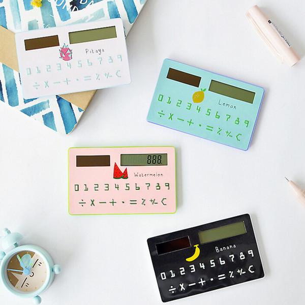 La lutte de papeterie en gros quand l'amour fruits Totoro expression drôle montrent filles calculatrice de carte de table