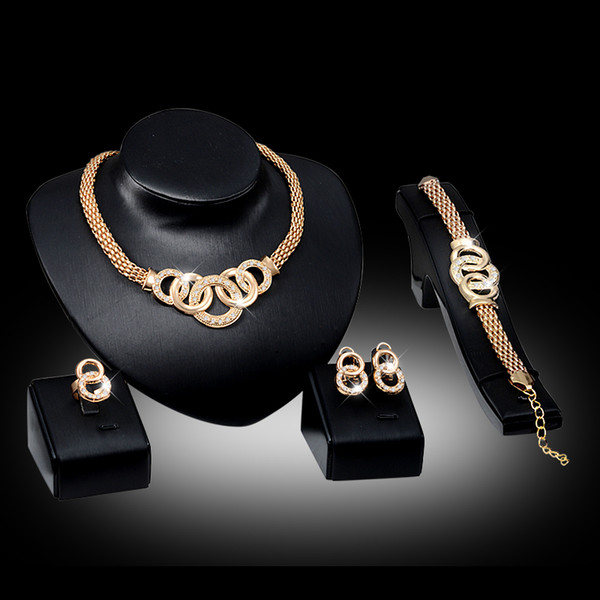 Pulseiras Colares Brincos Anéis Conjuntos Mulheres Moda Strass 18 K Banhado A Ouro Liga Círculos Partido Jóias 4-Piece Set Atacado JS010