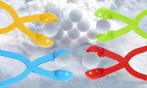 top popular Winter Snow Ball Maker Sand Mold Tool Kids Lightweight Compact Scoop Snowball Fight Outdoor Sports Game Toys for Children b974 2021