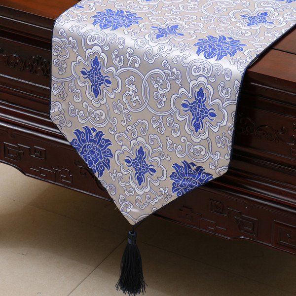 top popular Lengthen Luxury Happy Flower Table Runner Fashion China style Silk Brocade Coffee Table Cloth High End Dining Table Mats Placemat 230x33 cm 2021