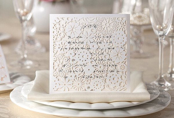 Countryside White Flower Elegant Cheap Laser Cut Wedding Invitations Cards Hollow Personalized Engagement Invitation Cards With Envelope Free Wedding
