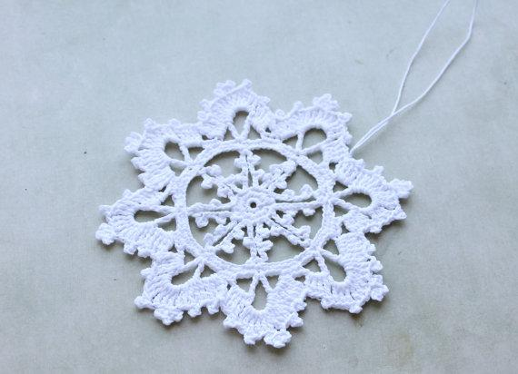 100% Handmade cotton Crochet Snowflake Ornaments White Vintage Christmas Tree Decor Seasonal Decorations Tree Hanging set of 10 pcs